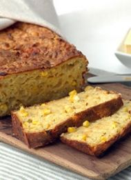Mealie Bread - south african sweet baked bread made with sweetcorn South African Dishes, South African Recipes, Ethnic Recipes, Braai Recipes, Savoury Recipes, Healthy Recipes, Ma Baker, Kos, Baking Recipes