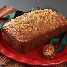 Pineapple and Macadamia Nut Bread @keyingredient #bread