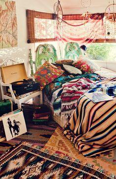 Show Me Your Mumu Hostel
