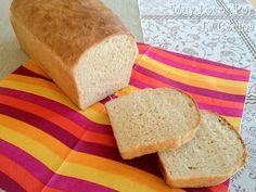 Twittear      Este pan de molde casero tiene un sabor y una textura similares al pan de molde que podemos comprar e... Tapas, Delicious Donuts, Pan Bread, Food Humor, Funny Food, Cilantro, Cornbread, Cooking Tips, Vegan Recipes