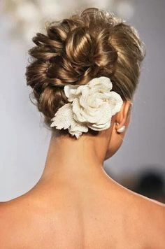 Beautiful bridal hair and hairpiece