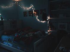 Image via We Heart It https://weheartit.com/entry/175894795 #bed #bedroom #lights #love #mine #room #roomideas #tumblr #teenroom #tumblrroom