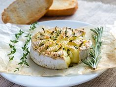 Camembert cheese fondue Photos Camembert cheese fondue by Alexander Prokopenko Halloumi, Appetizer Recipes, Appetizers, Wine And Cheese Party, Comfort Food, Cook At Home, Russian Recipes, Gouda, Light Recipes