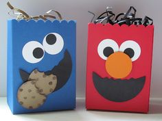 Crafting 4 Fun: Elmo and Cookie Monster Bags Boys First Birthday Party Ideas, Monster Birthday Parties, Elmo Party, Monster Treats, Elmo And Cookie Monster, Candy Bags Birthday, Elmo Wallpaper, Sesame Street Crafts, Monster Invitations