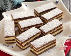 Mézes tejfölös, pudingos szelet Hungarian Desserts, Hungarian Recipes, Gluten Free Desserts, No Bake Desserts, Amazing Chocolate Cake Recipe, Tea Cakes, Homemade Cakes, Sweet And Salty, Cakes And More