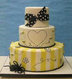 Meant to bee by LovelyCakes.net, via Flickr