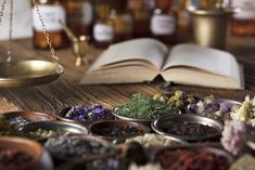 Tibetische Heilkunde: Altes Wissen und Kräuterrezepturen gegen chronische Beschwerden Kraut, Herbs, Table Decorations, Stark, Apothecary, Alternative, Foods, Medicinal Plants, Healing