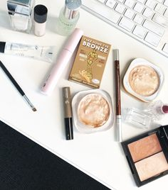 Beauty Editor Chronicles: I Did My Makeup Using Only Products I Found on My Desk Gorgeous Blonde, Gorgeous Nails, I Feel Pretty, How To Feel Beautiful, Haircut And Color, Makeup Routine, Editor, Nail Colors, Lifestyle Blog