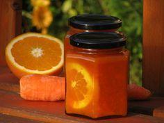 A narancsos, gyömbéres, fahéjas répalekvár íze még azt is leveszi a lábáról, akit a fenti cím nem győzött meg a sárgarépa édességként való hasznosításáról.... Easy Healthy Recipes, Snack Recipes, Cooking Recipes, Torte Cake, Gourmet Gifts, Meals In A Jar, Jar Gifts, Sweet And Salty, Diy Food