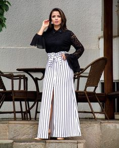 20 Black and White Outfits Ideas For Women Modest Fashion, Women's Fashion Dresses, Stylish Sarees, Fashion Poses, Blouse And Skirt, White Outfits, Skirt Outfits, Look Fashion, Clothes For Women