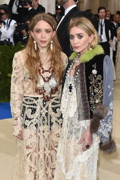 http://www.lifeandstylemag.com/posts/met-gala-mary-kate-and-ashley-olsen-131372/photos/katy-perry-249132