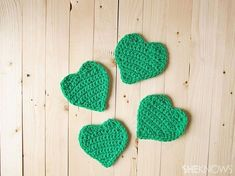 four-leafed crocheted clover: 4 clover leafs