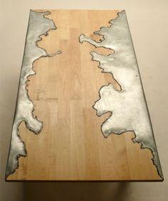 Mesa de madera y aluminio fundido | Unknown