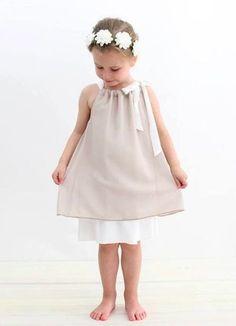 Weit schwingendes Kleid oder Tunika für Mädchen - Schnittmuster und Nähanleitung via Makerist.de