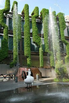 Amazing Green Facade Design for Residential & Commercial Buildings Urban Landscape, Landscape Design, Garden Design, Green Architecture, Landscape Architecture, Vertical Green Wall, Vertical Planting, Vertical Gardens, Green Facade
