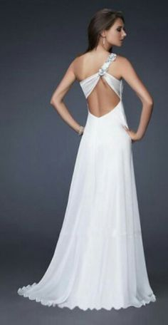 What for a dreamful dress <3