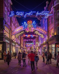 Start planning your Christmas shopping trip in London with these best places to shop, from lit-up department stores to unique gift ideas in festive markets. Insider guides to London Street Markets Christmas Shop London, Christmas Shopping, England Christmas, Carnaby Street, London Street, London Shopping, London Travel, Winter Festival, Kew Gardens