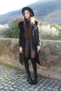 A Fabrica Dos Chapéus Hat, Old Long Coat With Fur, Asos Leather Skirt, Tabbisocks Over The Knee Socks, Jeffrey Campbell Mulder