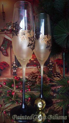 Crystal Set of 2 Winter Wedding toasting by PaintedGlassBiliana