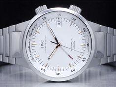 IWC - GST Alarm IW3537002 Cassa: acciaio - 40 mm Ghiera: acciaio Vetro: zaffiro Colore quadrante: bianco Bracciale: acciaio Chiusura: deployant Movimento: automatico