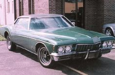 The Buick Riviera 1972 in series due south. the car of ray vecchio. Due South, Buick Riviera, Love Car, Thats The Way, Dream Garage, Dream Cars, Nostalgia, Tv Shows, Fandom