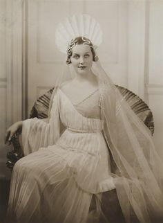 Diana Mitford Guinness Moseley | Diana Mitford (later Lady Mosley), by Bassano Ltd, February 1935 - NPG ...