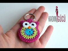 Learn how to use our Craft-tastic Macrame Owl Charm Kit using this more advanced method. Owl Crochet Patterns, Crochet Owls, Crochet Amigurumi, Crochet Motifs, Crochet Doll Pattern, Cute Crochet, Amigurumi Doll, Crochet Animals, Crochet Crafts