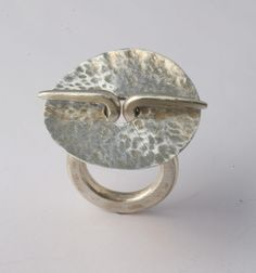 is there a clasp design in there???Ring | Gloria Carlos. Iron.
