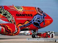 aboriginal painting on Qantas Airlines, Airplane Painting, Airplane Art, Commercial Plane, Commercial Aircraft, Hermanos Wright, Images Graffiti, Jet Privé, Jumbo Jet, Aircraft Painting