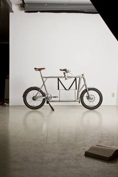 Last week my friend, and Lady Power polo teammate, Nele Dittmar from Halle, Germany sent me a link to an article about a cargo bike she recently designed and helped construct. And it is BEAUTIFUL. …