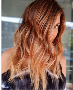 WATCH: It's Official: Peach Cobbler Hair Is the Most Southern Trend of the Summer - Big Southern Hair - Hair color Red Ombre Hair, Brown Blonde Hair, Red Hair Color, Cool Hair Color, Brown Hair Colors, Color Red, Winter Hairstyles, Cool Hairstyles, Blonde Hairstyles