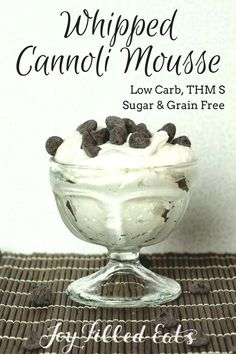 This Whipped Cannoli Mousse (low carb) is a light and fluffy version of cannoli cream. It has a hint of cinnamon mixed into sweetened ricotta whipped cream. It has only five ingredients & is ready to eat in five minutes! Pudding Desserts, Dessert Recipes, Dessert Ideas, Keto Pudding, Brownie Recipes, Pudding Recipes, Recipes Dinner, Chocolate Recipes, Snack Recipes