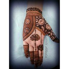 Latest Mehendi Designs for Hands & Legs - Happy Shappy Latest Mehndi Designs Hands, Indian Henna Designs, Mehndi Designs Book, Mehndi Designs 2018, Modern Mehndi Designs, Wedding Mehndi Designs, Mehndi Design Pictures, Mehandi Designs, Mehndi Images
