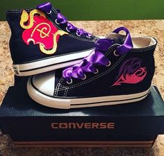 Great birthday gift for Mickenzie! She loves Mal and converse. Disney Descendants Inspired Mal's Icon by LittleBowPeepGifts Descendants Wicked World, Disney Channel Descendants, Disney Channel Logo, Disney Channel Movies, Cameron Boyce, Mal And Evie, Converse, Disney Outfits, To My Daughter