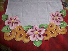 falso richelieu Color Magic, Cutwork, Fabric Painting, Soft Furnishings, Table Runners, Hand Embroidery, Printing On Fabric, Decoupage, Stencils