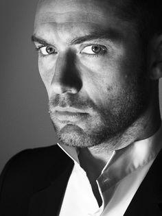 """merde-petit-maitre: """"Portrait (Jude Law) """""""