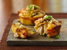 Фото к рецепту: Чудные маффины с овощами и курицей