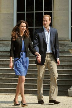Royal Recessionista : The Ultimate Princess Kate Middleton Style Guide! Kate Middleton Outfits, Kate Middleton Wedges, Kate Middleton Stil, Outfits Kate, Kate Middleton Prince William, Prince William And Catherine, William Kate, William Arthur, Vestidos Zara