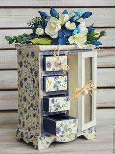 Купить комод мини ЦВЕТОЧНАЯ СКАЗКА - белый, синий, синие цветы, белые цветы, комод