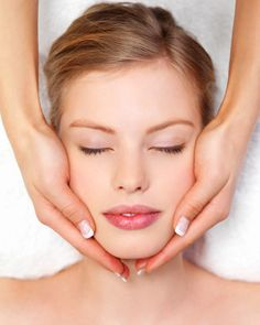 TREMETSKI.COM: OILY SKIN CARE TREATMENT - The CLEAR Experience allows skin care professionals to gain a Hands On introduction to the Anna Lotan CLEAR Treatment Protocol for Oily, Problem (Acne Prone) skin.
