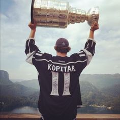 Slovenian and LA Kings Anze Kopitar on Bled Castle with Stanley cup #slovenia #proud