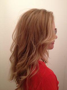 Natural blonde ombré lights