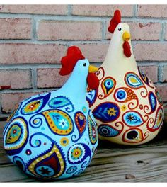 How to Make Paisley Chickens! how to make paisley chickens, crafts, how to, repurposing upcycling they almost look like gourds! Want excellent helpful hints about arts and crafts? Head to my amazing website!