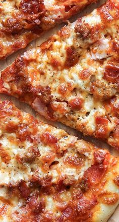 Homemade thin crust pizza, topped off with two types of cheese, bacon, ham, pepperoni and hot sausage! A must make for meat lover's. Meat Pizza Recipes, Beef Pizza, Meat Lovers Pizza, Grilling Recipes, Cooking Recipes, Pizza Pizza, Pizza Snacks, Grilled Pizza, Grilled Zucchini
