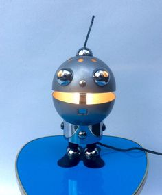 Satco – Original Vintage Space Age Robot lamp