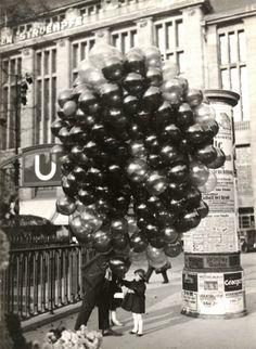 black+and+white+vintage+amstedam+balloons.jpg 702×960 pixels