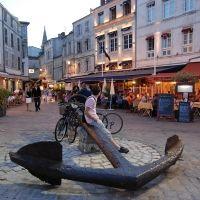 Place de la Chaine near La Rochelle harbour Location La Rochelle, Poitou Charentes, Ville France, Limousin, French Countryside, Travel And Leisure, Travel Tips, Aquitaine, Hotel Deals