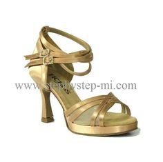 Sandalo  in raso carne chiaro con zeppetta, suola in bufalo, tacco 90 #stepbystep  #ballo #salsa #tango #kizomba #bachata #scarpedaballo #danceshoes  #cute #design #fashion #shopping #shoppingonline #glamour #glam #picoftheday #shoe  #style  #instagood #instashoes  #sandals #sandali  #instaheels #stepbystepshoes #cute  #salsaon2  #zeppa #plateau
