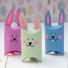 Cute DIY Easter bunny boxes made of toilet paper - HANDMADE culture , Today there is a fine upcycling project for Easter. Would you have thought that you could make sooooo cute DIY rabbit boxes out of simple toilet paper. Diy And Crafts, Crafts For Kids, Arts And Crafts, Creative Crafts, Yarn Crafts, Kindergarten Art Projects, Small Gift Boxes, Cute Diys, Easter Crafts