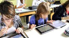 Il delicato tema del digitale è fra i punti su cui il documento di Renzi insiste. Si mette, quantomeno sulla carta, finalmente da parte l'ossessione per l'hardware e si sottolinea la necessità di far arrivare a tutte le strutture la connessione Internet veloce e il wi-fi. Ma a che punto siamo nelle nostre scuole?